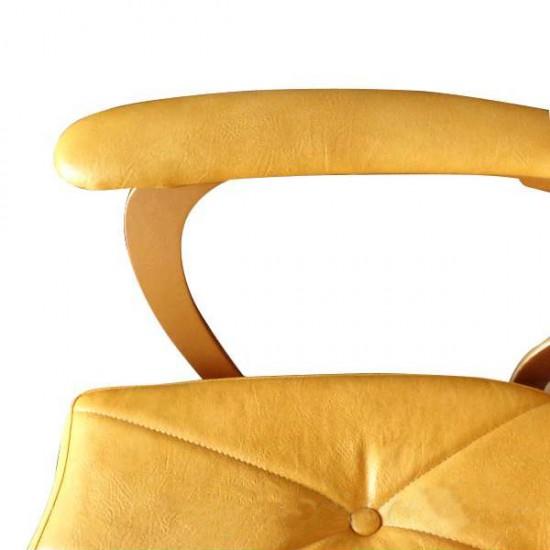 Професионален фризьорски стол в жълто - А305